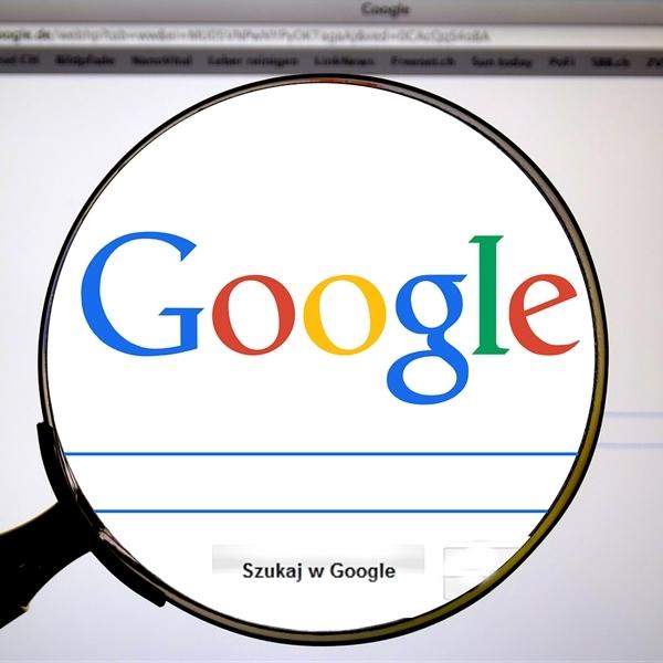 znajdź informacje w internecie