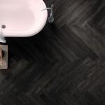 czarne płytki imitujące drewno